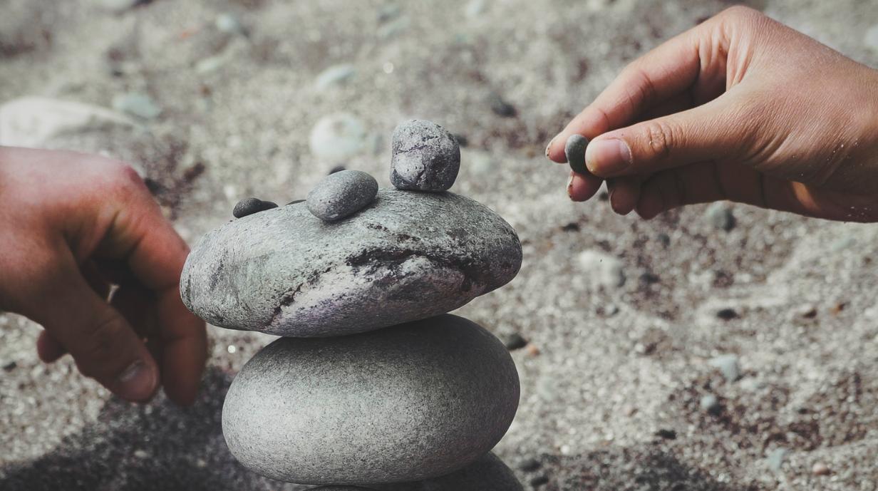 ustawianie kamieni